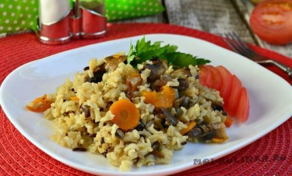 Рис с мясом и цветной капустой в мультиварке