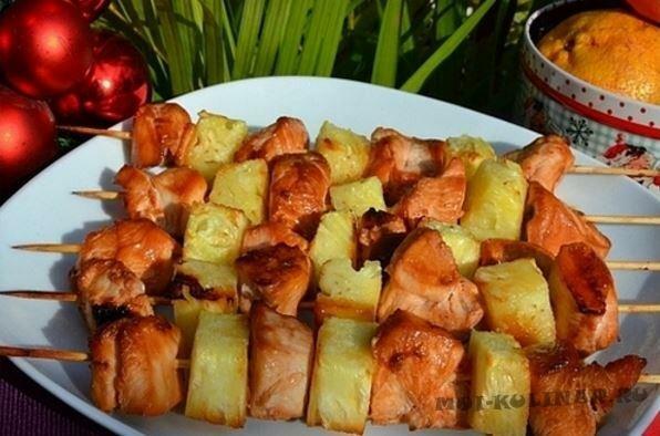 Шашлык из курицы с ананасом в духовке