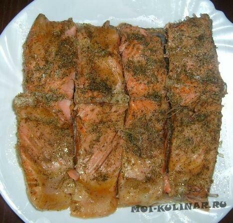 Красная рыба на пару в мульварке